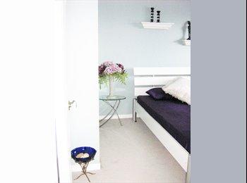 Furnished Room - Barrhaven (females only)