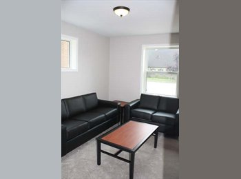 EasyRoommate CA - Student Low Rise Apartment building - Hamilton, South West Ontario - $600 pcm