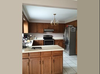 EasyRoommate CA - $950 An Amazing Large 1 BEDROOM  Erin Mills - Mississauga, South West Ontario - $975 pcm