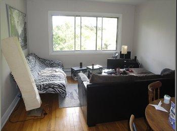 EasyRoommate CA - Bienvenue:) Coloc court terme-Chambre meublée - Côte-des-Neiges - Notre-Dame-de-Grâce, Montréal - $350 pcm