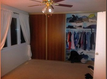 EasyRoommate CA - ★ June 1st – Master Bedroom - No Lease – Minutes t - Western Suburbs, Ottawa - $500 pcm