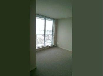 EasyRoommate CA - Wave living master bedroom - Burnaby, Burnaby - $650 pcm