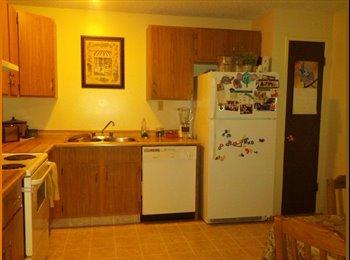 EasyRoommate CA - Share a three bedroom townhouse - Calgary, Calgary - $750 pcm