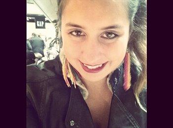 Elisa - 22 - Estudiante