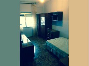 EasyPiso ES - Habitación para chica en el centro de Guadalajara - Zona Constitución - Balconcillo, Guadalajara - 240 € por mes