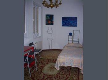 habitación grande y luminosa