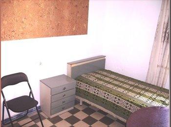 EasyPiso ES - Renting a nice room to an english speaker person - Son cotoner - plaça de toros - son oliva, Palma de Mallorca - 200 € por mes