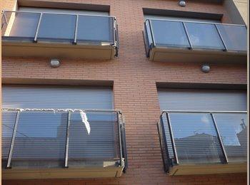 EasyPiso ES - busco compañero de piso - Sabadell, Barcelona - 300 € por mes