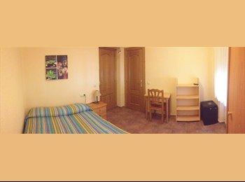 EasyPiso ES - Habitación con baño en el centro - Salamanca, Salamanca - 260 € por mes