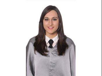 Marta - 22 - Estudiante
