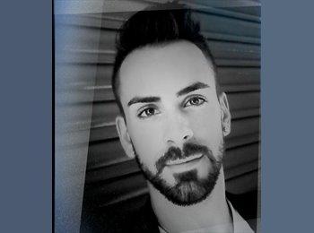 Alejandro - 28 - Profesional