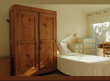 chambre à louer dans villa chez l'habitant.