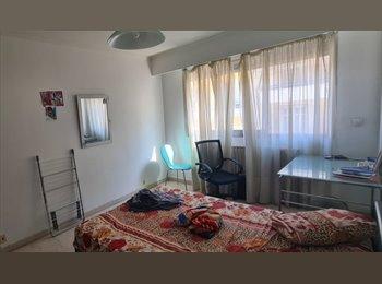 Appartager FR - 4P 100m² - 1 chambre disponible - Cœur de Ville, Nice - 490 € / Mois