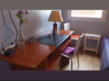 Appartager FR - Famille propose chambre meublé à jf calme - 20ème Arrondissement, Paris - Ile De France - 600 € / Mois