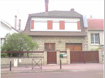 Appartager FR - Studio 17m2 meublé - Cachan, Paris - Ile De France - 660 € / Mois