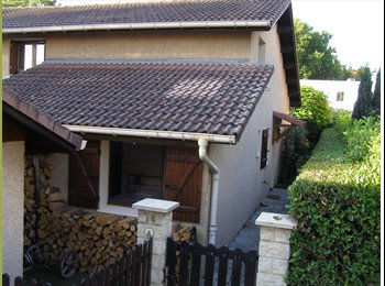 Appartager FR - Chambre meublée pour étudiant à St Martin d'Hères - Saint-Martin-d'Hères, Grenoble - 350 € / Mois