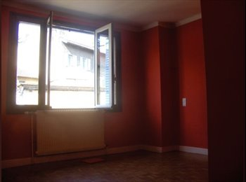 Appartager FR - 1 chambre dispo dans appart 96 m2, centre-ville, - Bellegarde-sur-Valserine, Bellegarde-sur-Valserine - 300 € / Mois