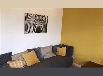 Appartager FR - 2 Chambres meublées ds gd appart proche centre - Compiègne, Compiègne - 440 € / Mois