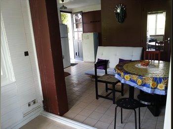 Appartager FR - Petite maison indépendante - Corbeil-Essonnes, Paris - Ile De France - 1199 € / Mois