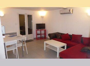 Appartager FR -  bas de villa 2 chambres dispo pour coloc - Solliès-Toucas, Toulon - 420 € / Mois
