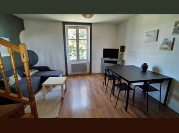 Appartager FR - 1 chambre en colocation appartement T4 duplex - Saint-Malo, Saint-Malo - 310 € / Mois