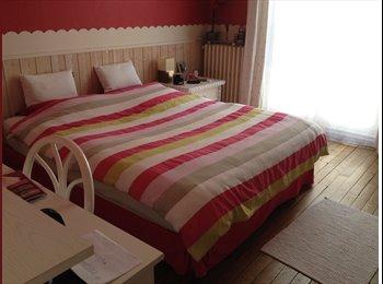 Jolie chambre avec s de bain privative Paris16
