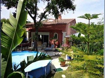 Appartager FR - chambres dans villa tout confort - Hyères, Hyères - 350 € / Mois