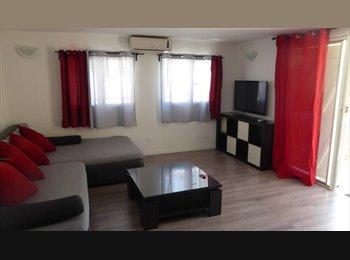 Appartager FR - COLOCATION bas de villa terrasse privée 10min fac - Solliès-Toucas, Toulon - 420 € / Mois