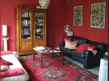 Appartager FR - colocation dans un appartement centre ville - Compiègne, Compiègne - 350 € / Mois