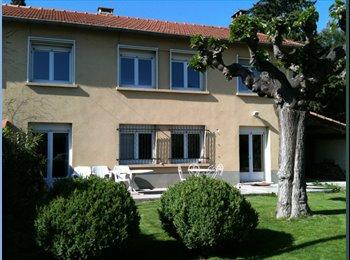 Appartager FR - 1 Chambre dans villa - coloc à 5 - Le Pontet, Avignon - 350 € / Mois