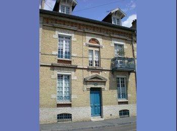 Appartager FR - Chambre en famille près fac, RMS et centre ville - Reims, Reims - 320 € / Mois