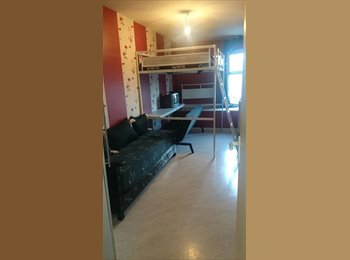 Loue 2  chambres meublées