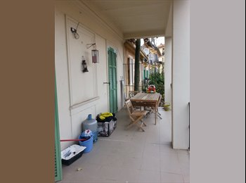 Appartager FR - Double room with private bathroom - Beausoleil, Beausoleil - 670 € / Mois