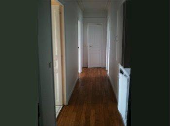Chambre dans un appartement calme et lumineux