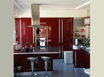 Appartager FR - Appartement 3 piece - Grasse, Cannes - 525 € / Mois
