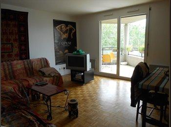 Appartager FR - Chambre à louer Juillet-Août - 4ème Arrondissement, Lyon - 400 € / Mois