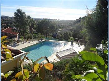 Appartager FR - Dans magnifique villa -piscine-vue mer - Mandelieu-la-Napoule, Cannes - 995 € / Mois