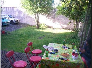 Appartager FR - Sous location juillet (flexible) - Hôtel de ville - Quinconces, Bordeaux - 350 € / Mois