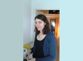 Julie - 23 - Etudiant