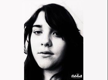 Emmanuelle - 18 - Etudiant