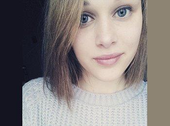 Julie - 18 - Etudiant