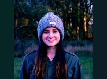 Justine - 20 - Etudiant