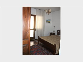 EasyStanza IT - Offro stanza / condivisione - Brescia, Brescia - € 300 al mese