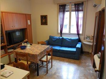 EasyStanza IT - Posto letto in ampia tripla vicino all'Università - P.za Unità - Stalingrado - San Donato, Bologna - € 250 al mese