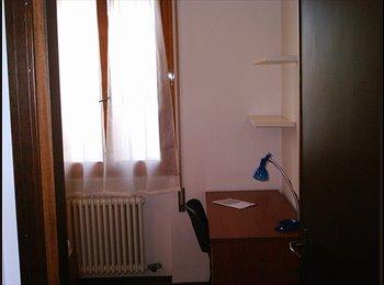 EasyStanza IT - Bella Camera Singola Disponibile - Padova, Padova - € 270 al mese