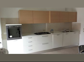 EasyStanza IT - Singole ampie e nuove - Padova, Padova - € 450 al mese
