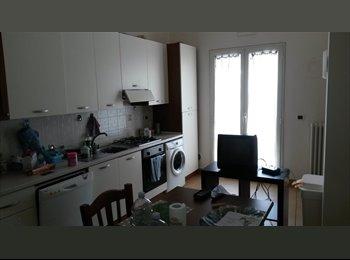 EasyStanza IT - Fittasi  stanze o appartamento Bari centro - Bari Centro, Bari - € 350 al mese