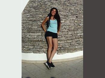 Alessia - 21 - Studente