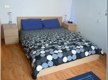 Appartager LU - Chambre Lux Ville 765€/mois-Room Lux Ville 765€/m - Luxembourg Ville, Luxembourg - 765 € / Mois