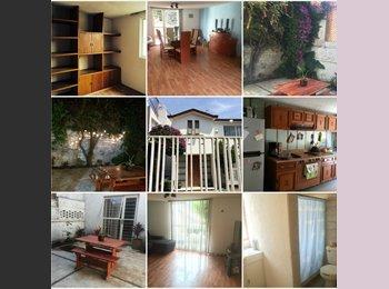 Roomie para Casa en Arboledas, cerca de jinetes, periférico...